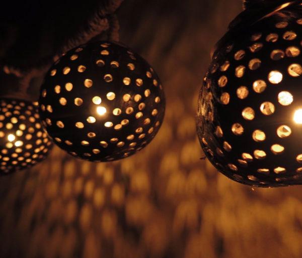 Hanging-Coconut-Shell-Light