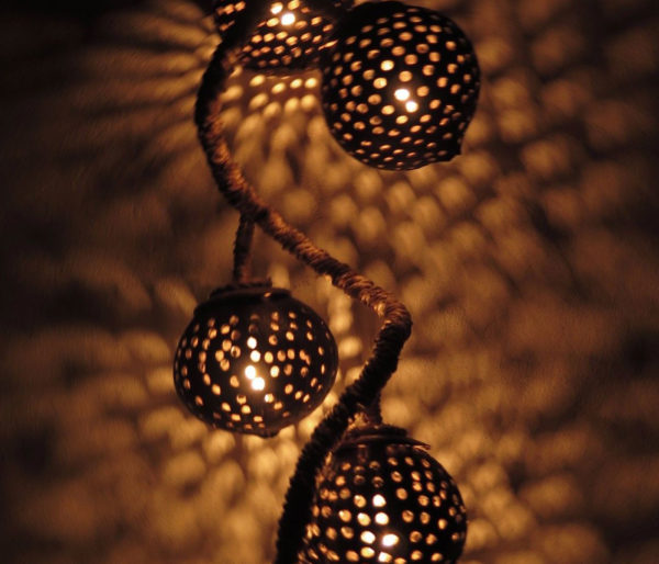Hanging-Coconut-Shell-Light4