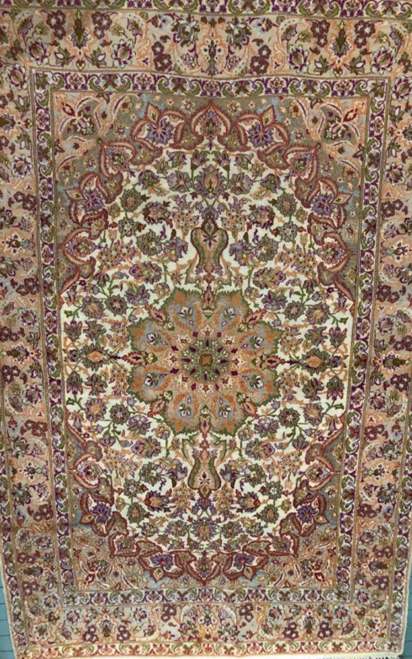Iran-Isfahan-wool-silk