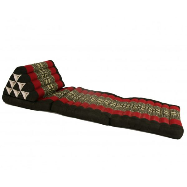 thai-three-fold-triangular-cushion-black-and-red (2)