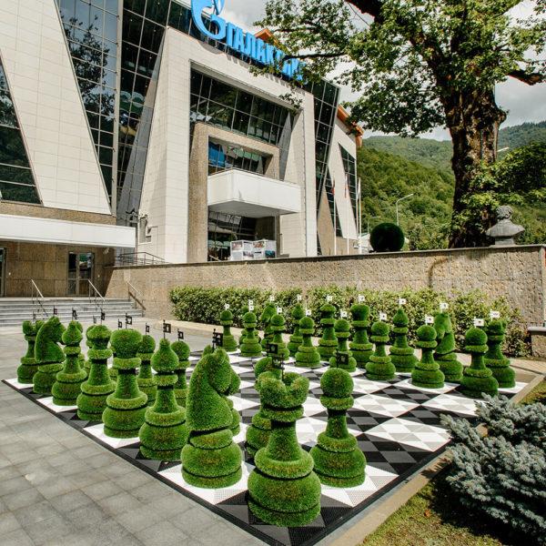 32-teiliges-schachfiguren-set-topiary-gfk-kunstrasen-schach-set_2