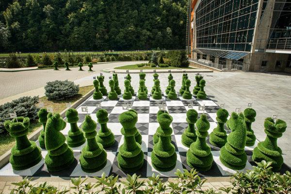32-teiliges-schachfiguren-set-topiary-gfk-kunstrasen-schach-set_9