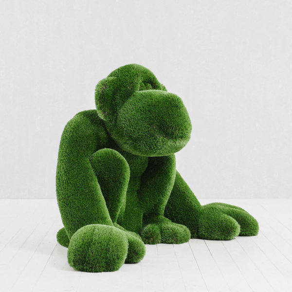 gartenfigur-affe-sitzend-topiary-gfk-kunstrasen-louie_2