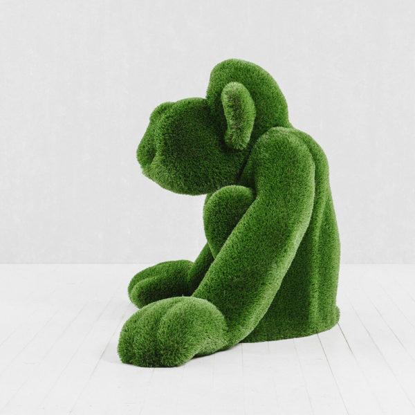 gartenfigur-affe-sitzend-topiary-gfk-kunstrasen-louie_5