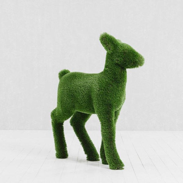 gartenfigur-hirschkalb-topiary-gfk-kunstrasen-henno_3