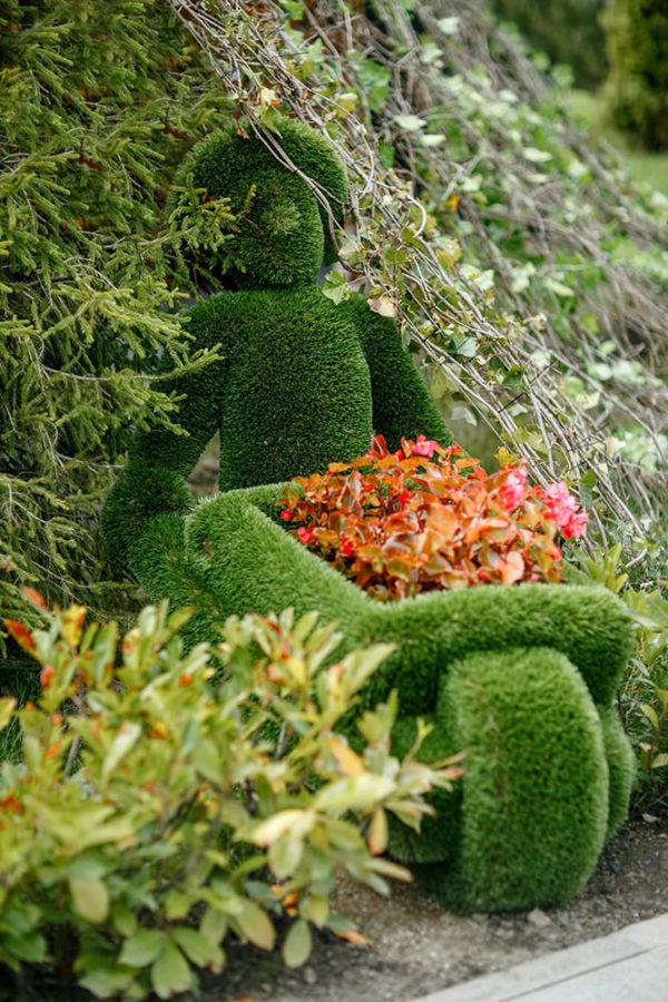 gartenfigur-mann-mit-schubkarre-topiary-kunststoff-uesli_9