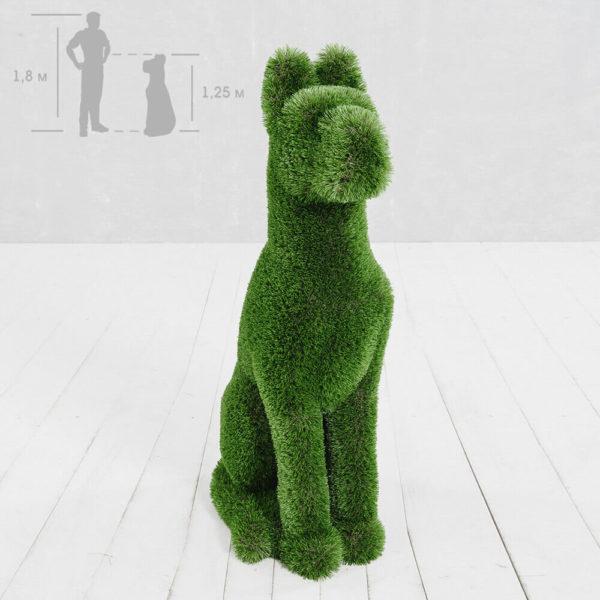 gartenfigur-sitzender-hund-topiary-gfk-kunstrasen-herkol