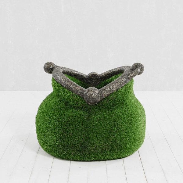 gartenplastik-geldboerse-topiary-gfk-kunstrasen-pecunia_3