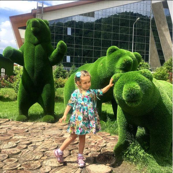 grosse-baeren-skulptur-topiary-glasfaserkunststoff-gruen-ursidae_9