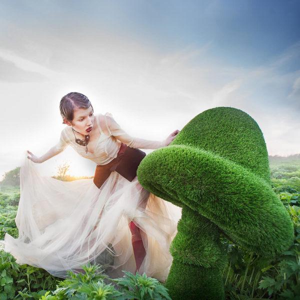 grosse-gartenfigur-pilz-gfk-kunstrasen-topiary-felino_5