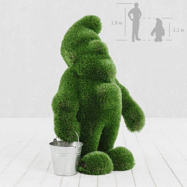 grosser-gartenzwerg-aus-gfk-kunstrasen-topiary-emerich