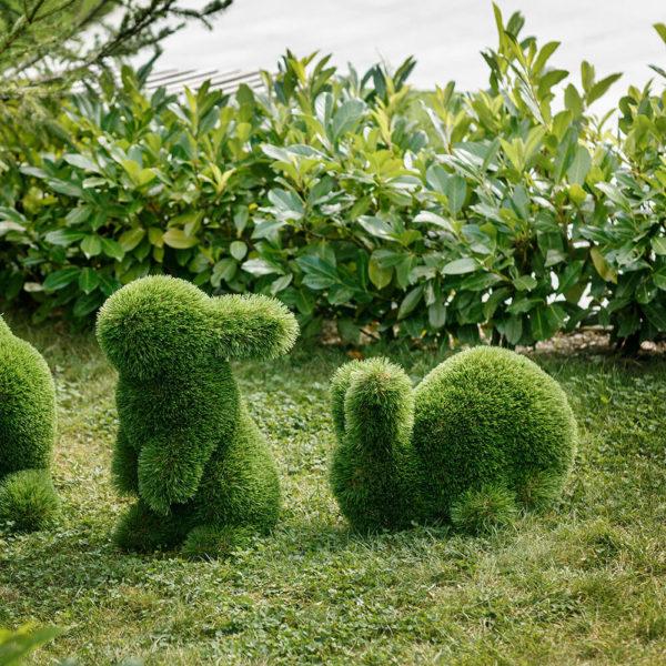 hasenfigur-fuer-den-garten-topiary-gfk-kunstrasen-herta_5