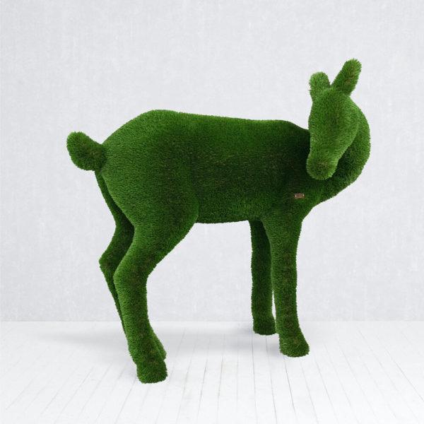 hirschkuh-gartenfigur-aus-gfk-kunstrasen-topiary-hendrina_3