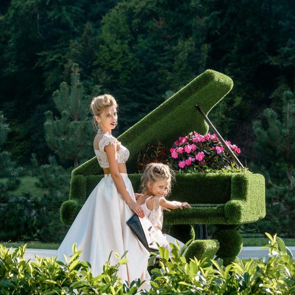 klavier-als-gartenplastik-topiary-gfk-kunstrasen-finnjo_3