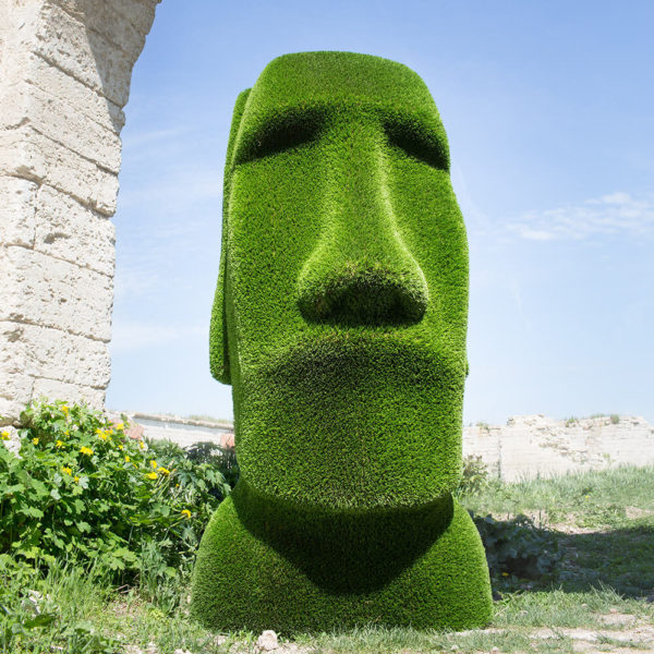 moai-kopf-gartenfigur-topiary-gfk-kunstrasen-idukan_2