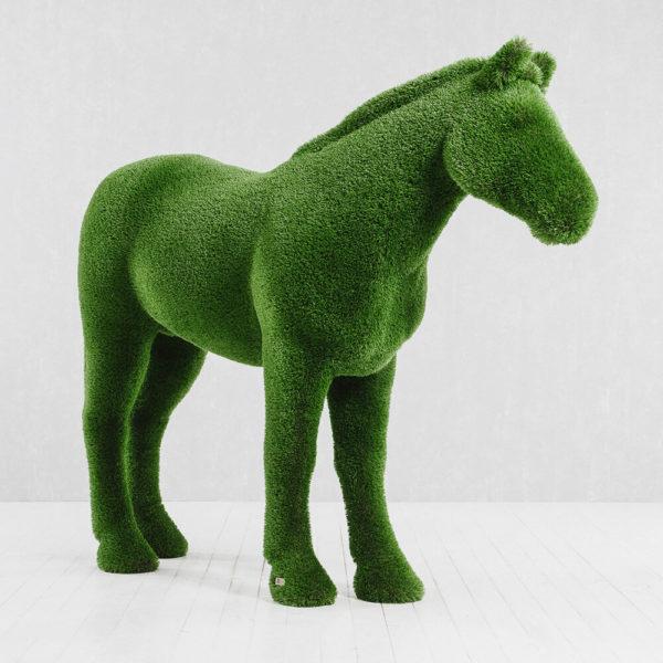 xxl-gartenfigur-pferd-topiary-gfk-kunstrasen-pferdinand_3