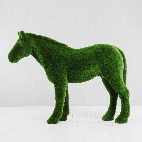 xxl-gartenfigur-pferd-topiary-gfk-kunstrasen-pferdinand_6