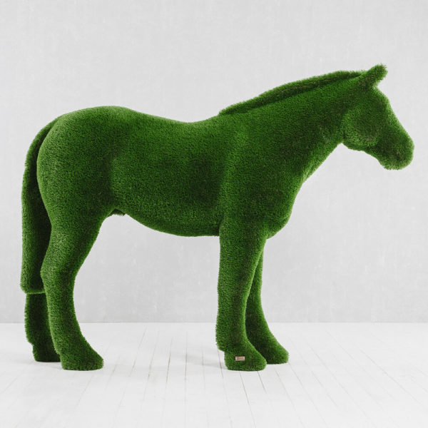xxl-gartenfigur-pferd-topiary-gfk-kunstrasen-pferdinand_8