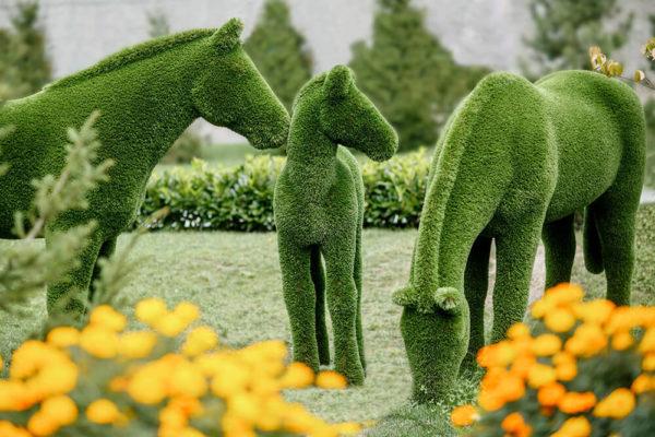xxl-gartenfigur-pferd-topiary-gfk-kunstrasen-pferdinand_9